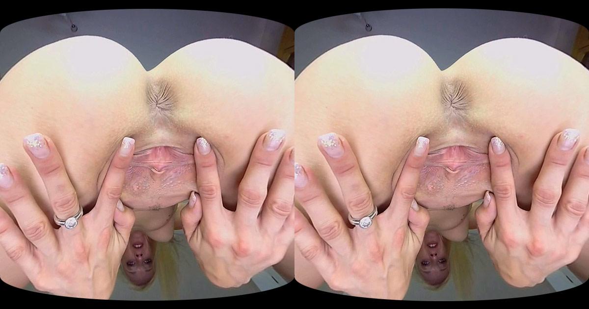 Lola Face-Sitting VR Porn
