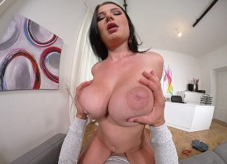Born To Suck - Busty Brunette Babe Blows Hard Cock For Pleasure VR Porn