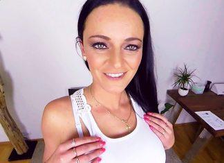 Anny Maax Casting VR Porn